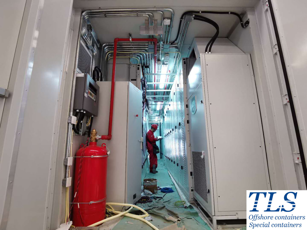 Battery energy storage system container, containerised energy storage system, fire fighting system